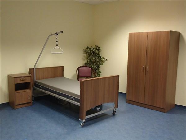 garde robe noyer d 39 avignon h tre clair r f 847 ergo. Black Bedroom Furniture Sets. Home Design Ideas
